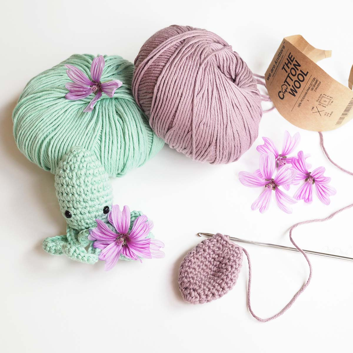 diy crochet amigurumi poulpe The Cotton Wool We Are Knitters mint mauve laboutiquedemelimelo