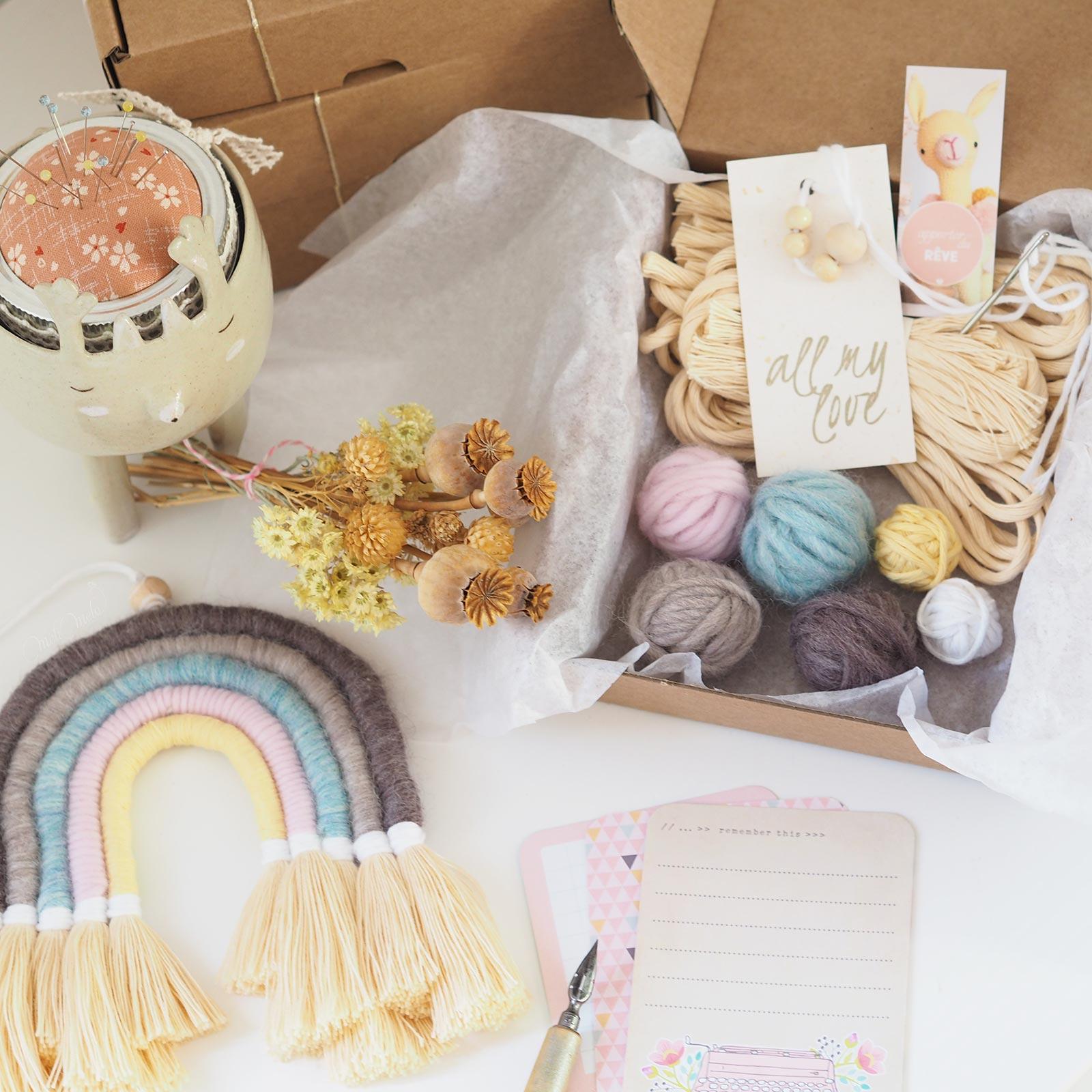 DIY kit rainbow arc-en- ciel laine wool pavots la boutique de melimelo