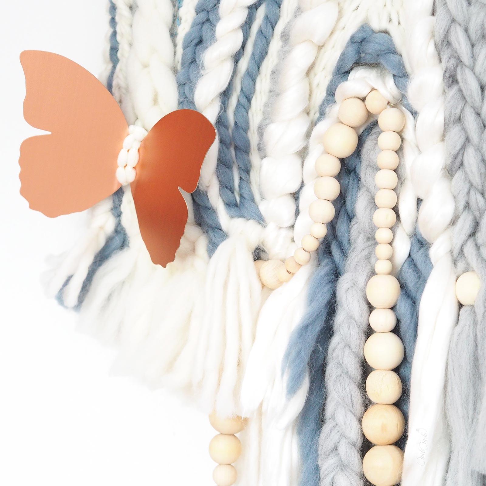 Tissage détail papillon cuivre bois bleu laine merino wool we are knitters handweaving laboutiquedemelimelo
