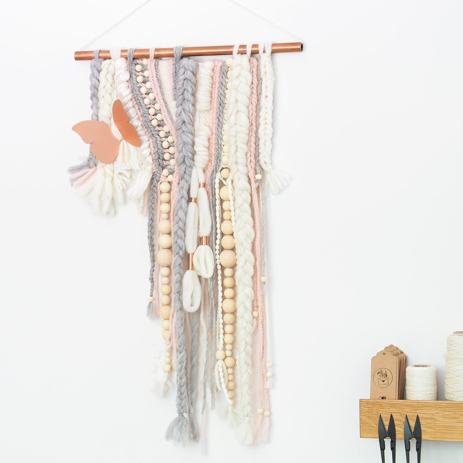 Tissage format paysage papillon cuivre bois rose laine merino wool woolandthegang funem studio handweaving laboutiquedemelimelo