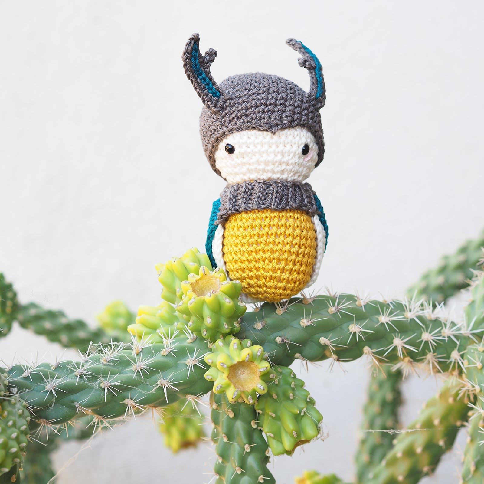 amigurumi crochet scarabée beetle Laylala cactus fleurs cylindropuntia imbricata laboutiquedemelimelo