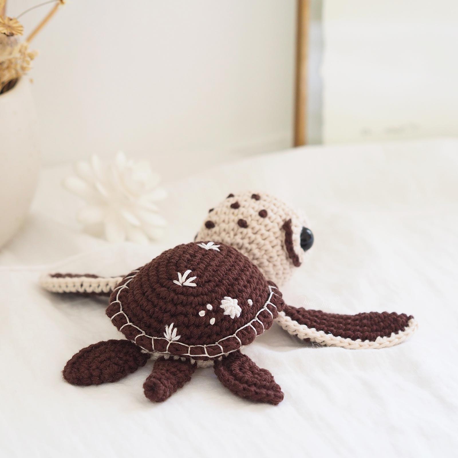 amigurumi-green-sea-turtle-amigurumiwildlife-crochet-tortue-mer-laboutiquedemelimelo