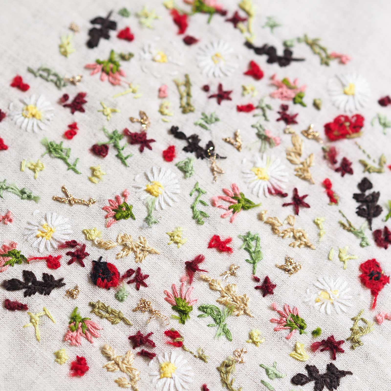 arriere-points-finitions-broderie-fleurs-laboutiquedemelimelo