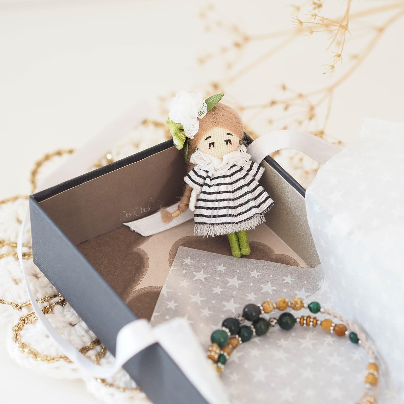 artisanat-poupee-mariniere-bracelet-macrame-mookaite-jaspe-pierres-fines-laboutiquedemelimelo