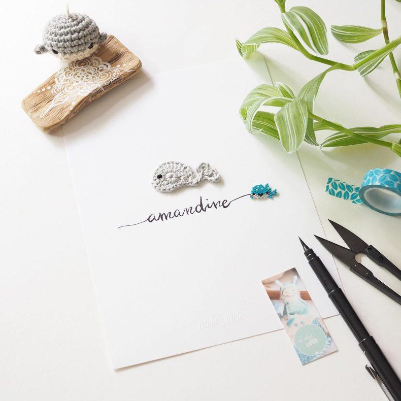 Affiche calligraphiée baleine perles Miyuki crochet Amandine La Boutique de MeliMelo