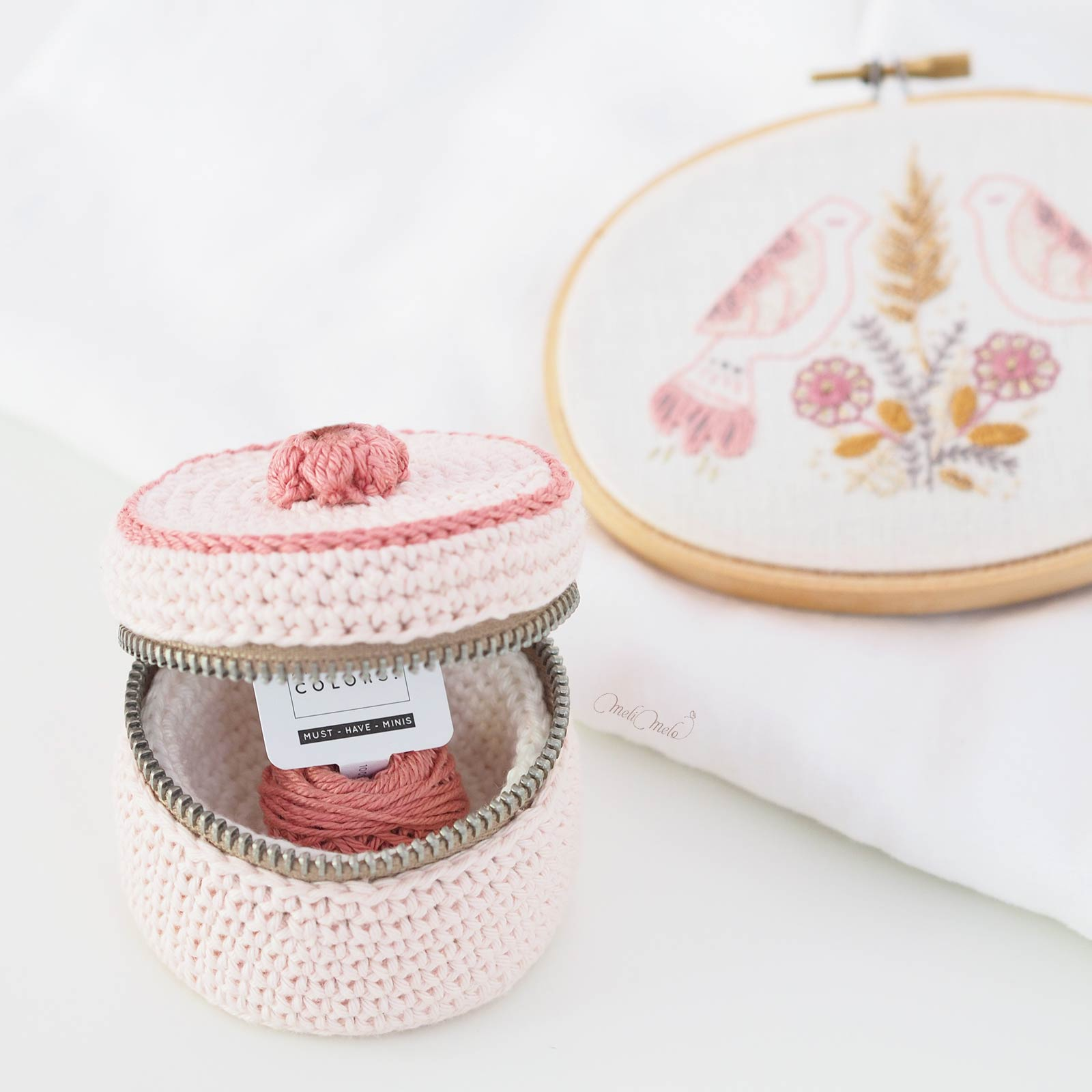 boite-rose-reve-crochet-coton-ricorumi-must-have-minis-laboutiquedemelimelo