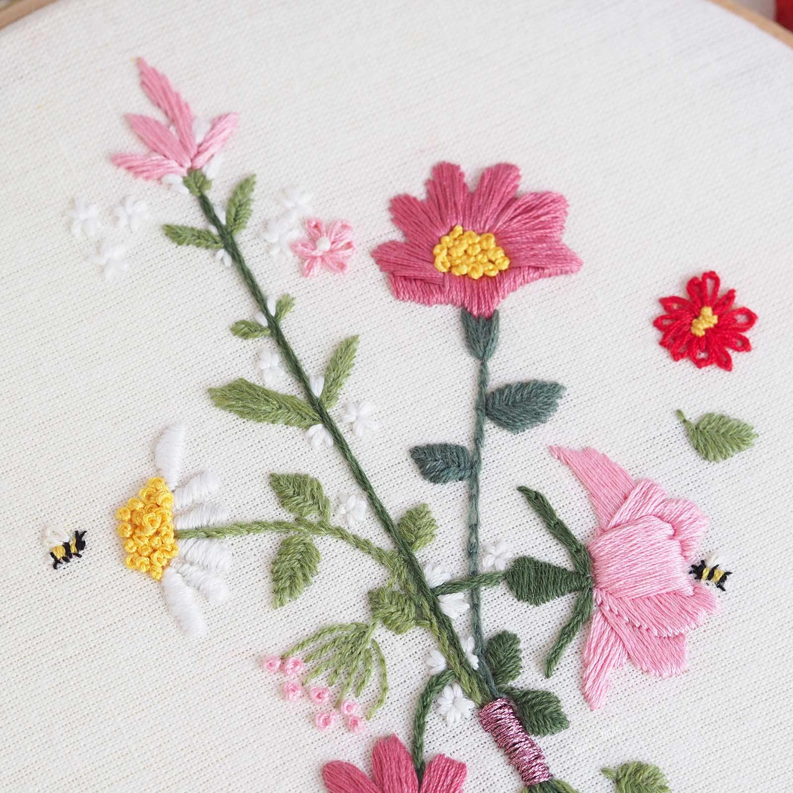 broderie-fleurs-abeilles-printemps-coton-bergere-france-laboutiquedemelimelo