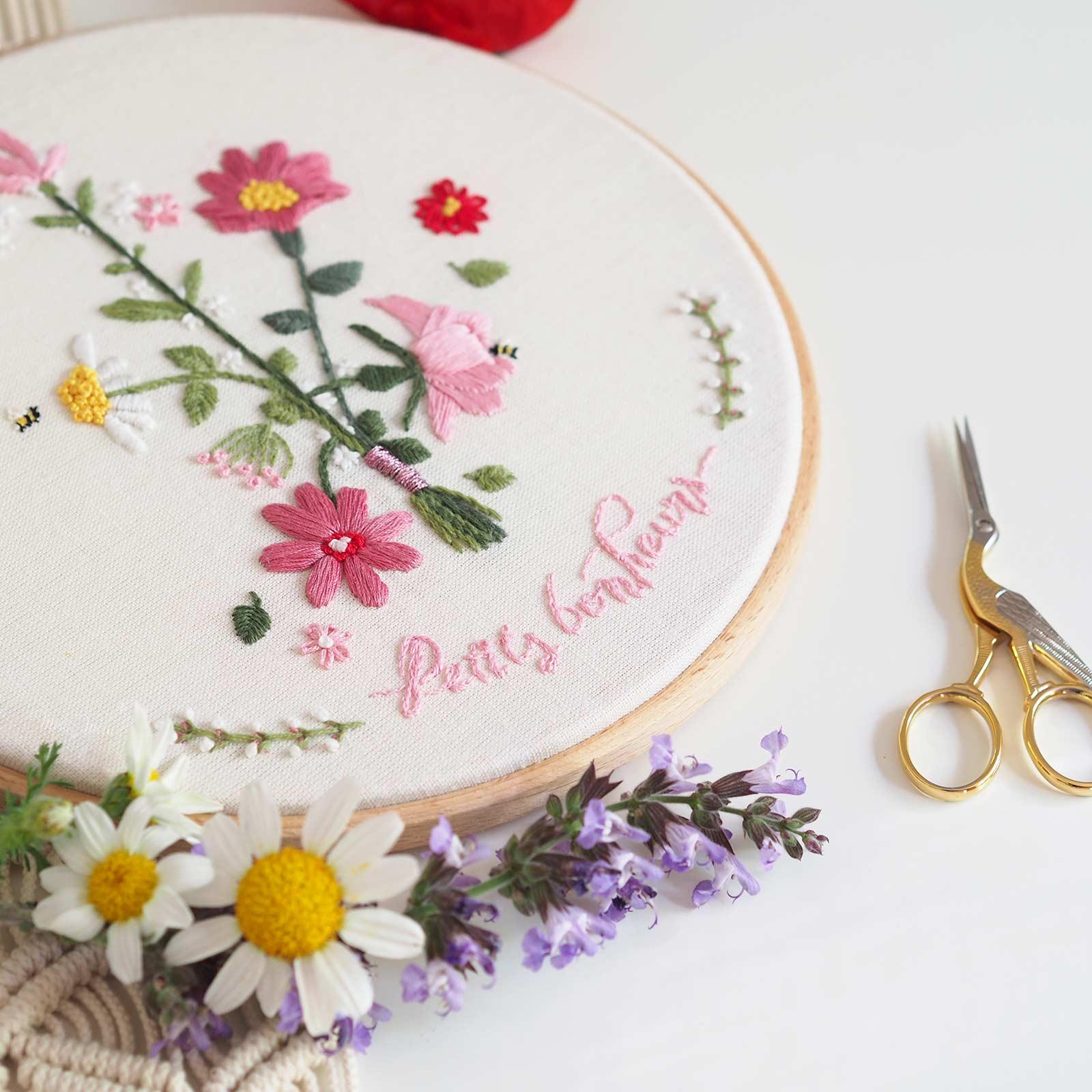 broderie-fleurs-champetre-petits-bonheurs-bergere-france-laboutiquedemelimelo