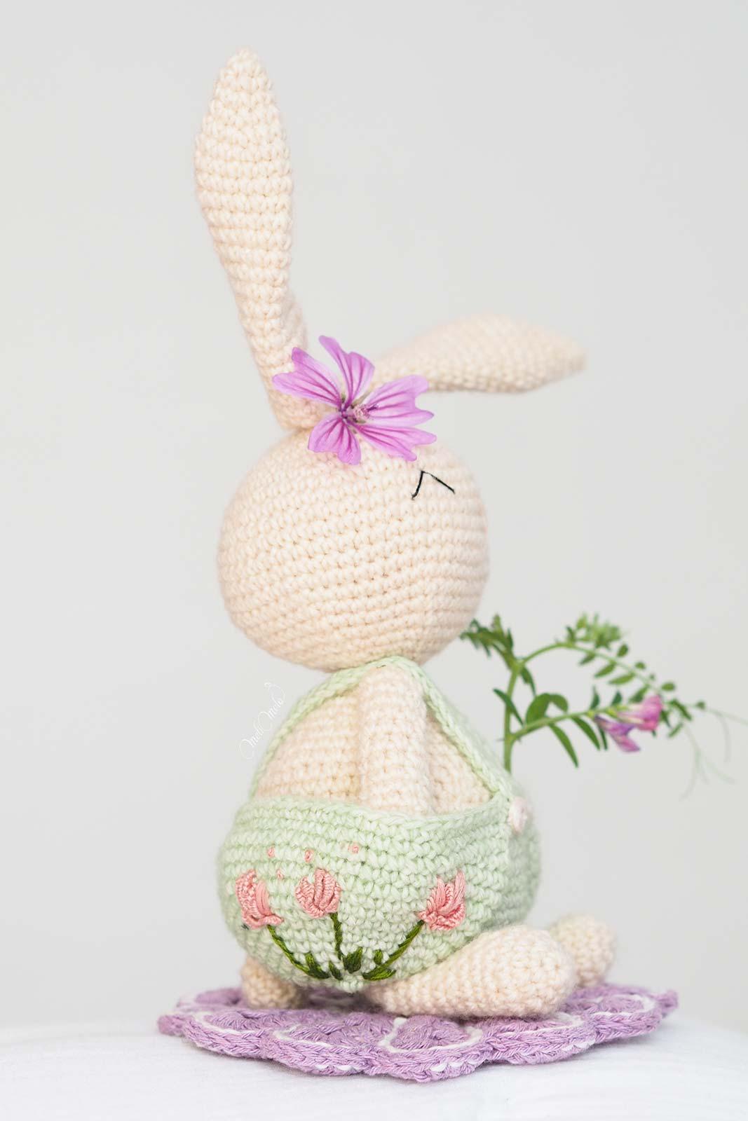 broderie-pivoines-lapin-amigurumi-crochet-laboutiquedemelimelo