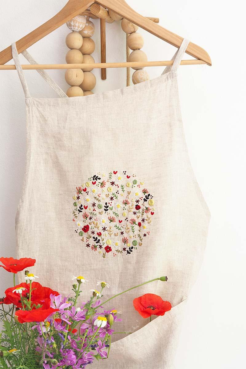 broderie-ronde-fleurs-printemps-tablier-lin-laboutiquedemelimelo