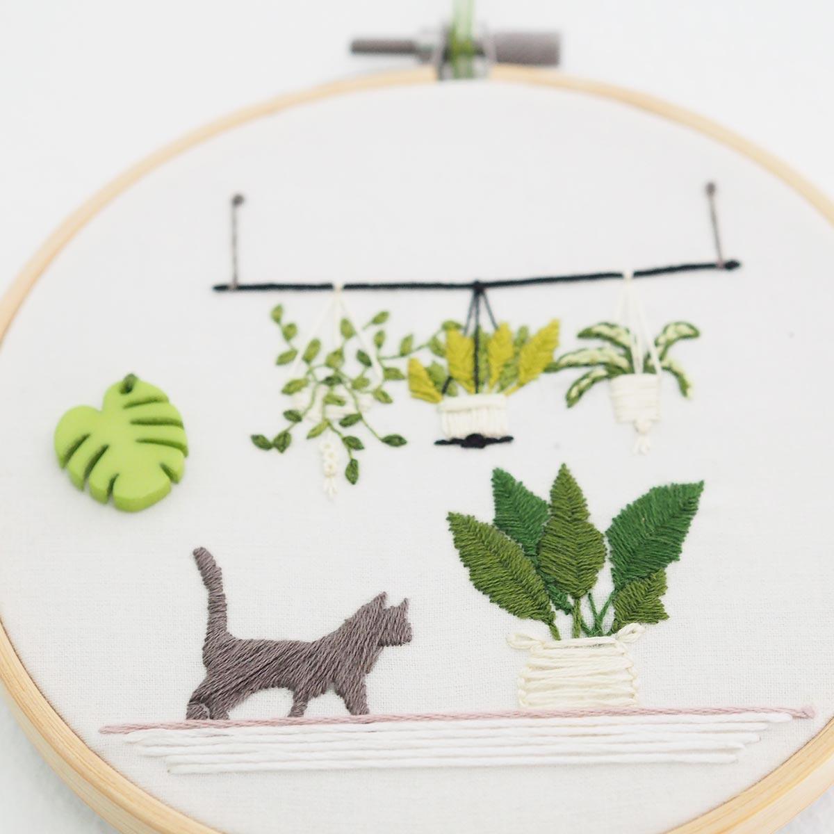 broderie-suspension-plantes-monstera-bouzielafee-green-chat