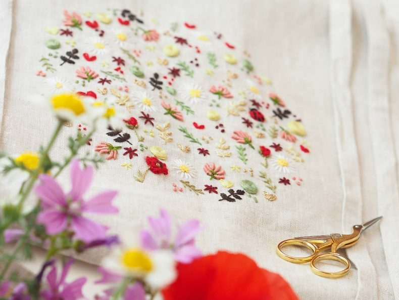 broderie-tablier-lin-coquelicot-coccinelle-trefle-branchage-laboutiquedemelimelo