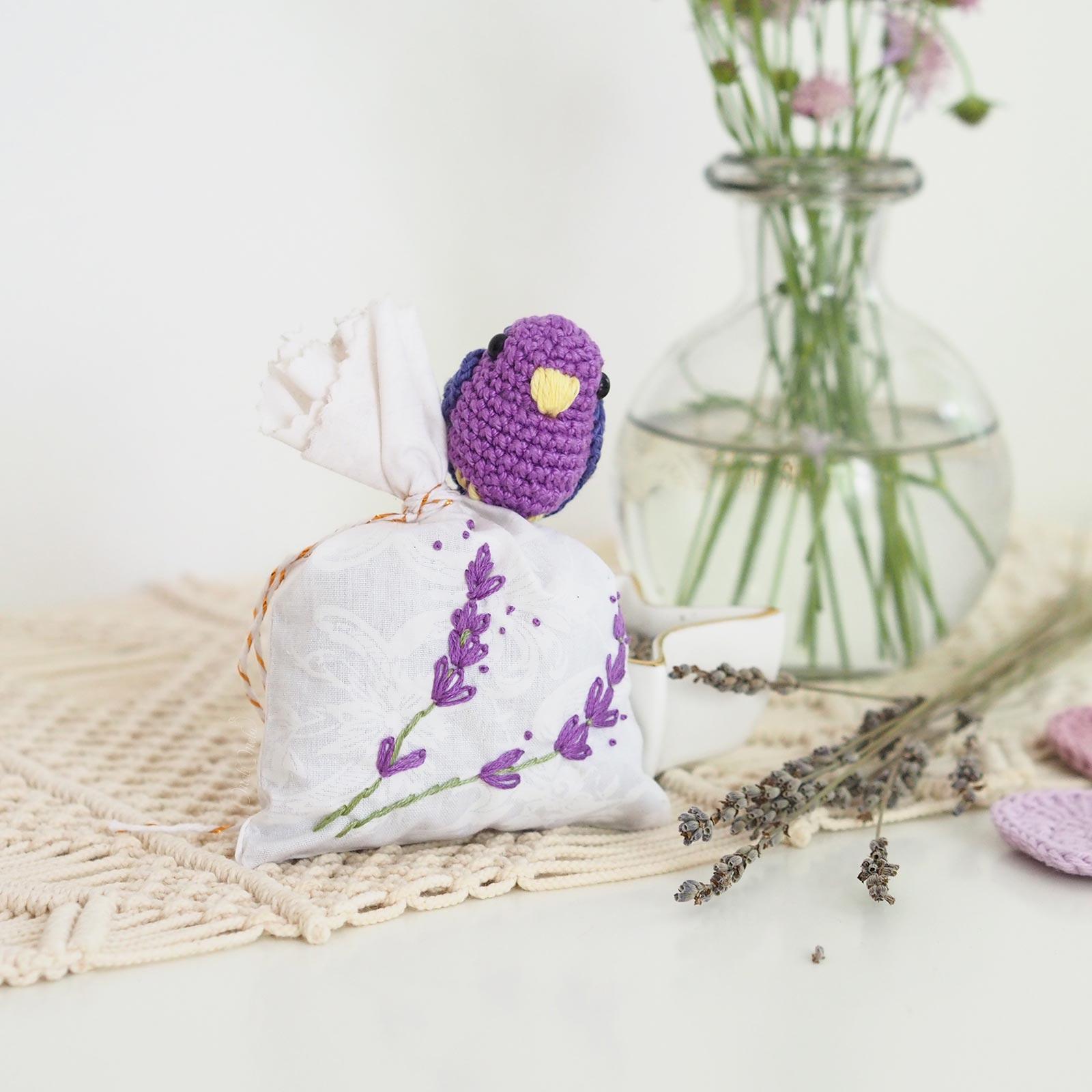 cadeau mariage lavande crochet oiseau laboutiquedemelimelo