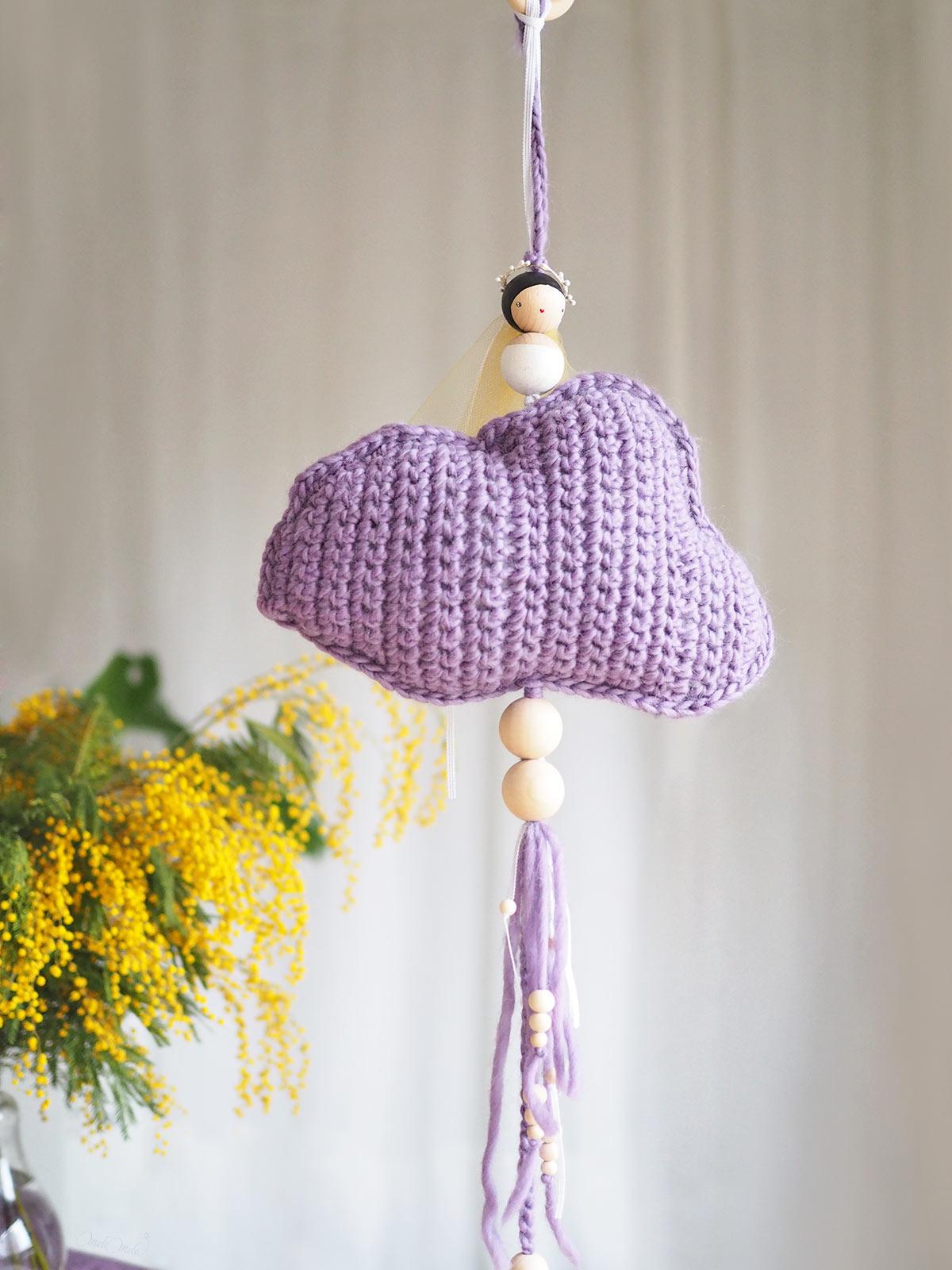 cadeau naissance ange nuage mauve décoration crochet PoiS PlumeS laboutiquedemelimelo
