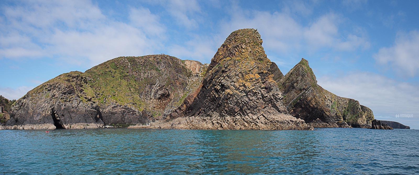 cliffs-nohoval-cove-cork-ireland-yoniquenews