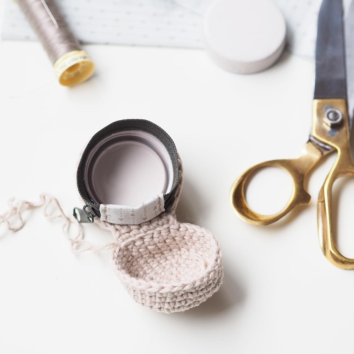 couture-blocage-zip-crochet-boitier-chouettekit-laboutiquedemelimelo-04