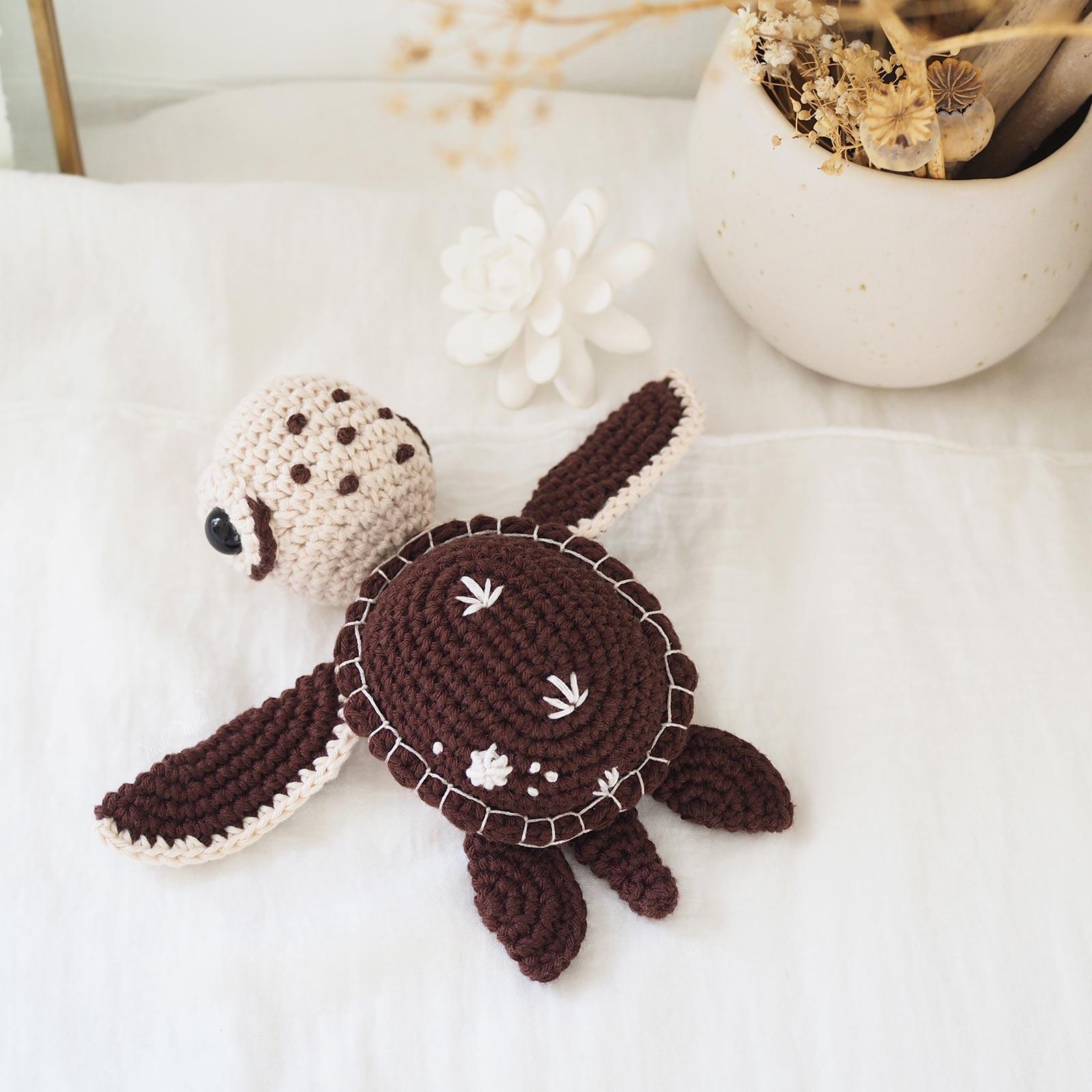 crochet-amigurumi-green-sea-turtle-amigurumiwildlife-tortue-mer-ricorumi-laboutiquedemelimelo