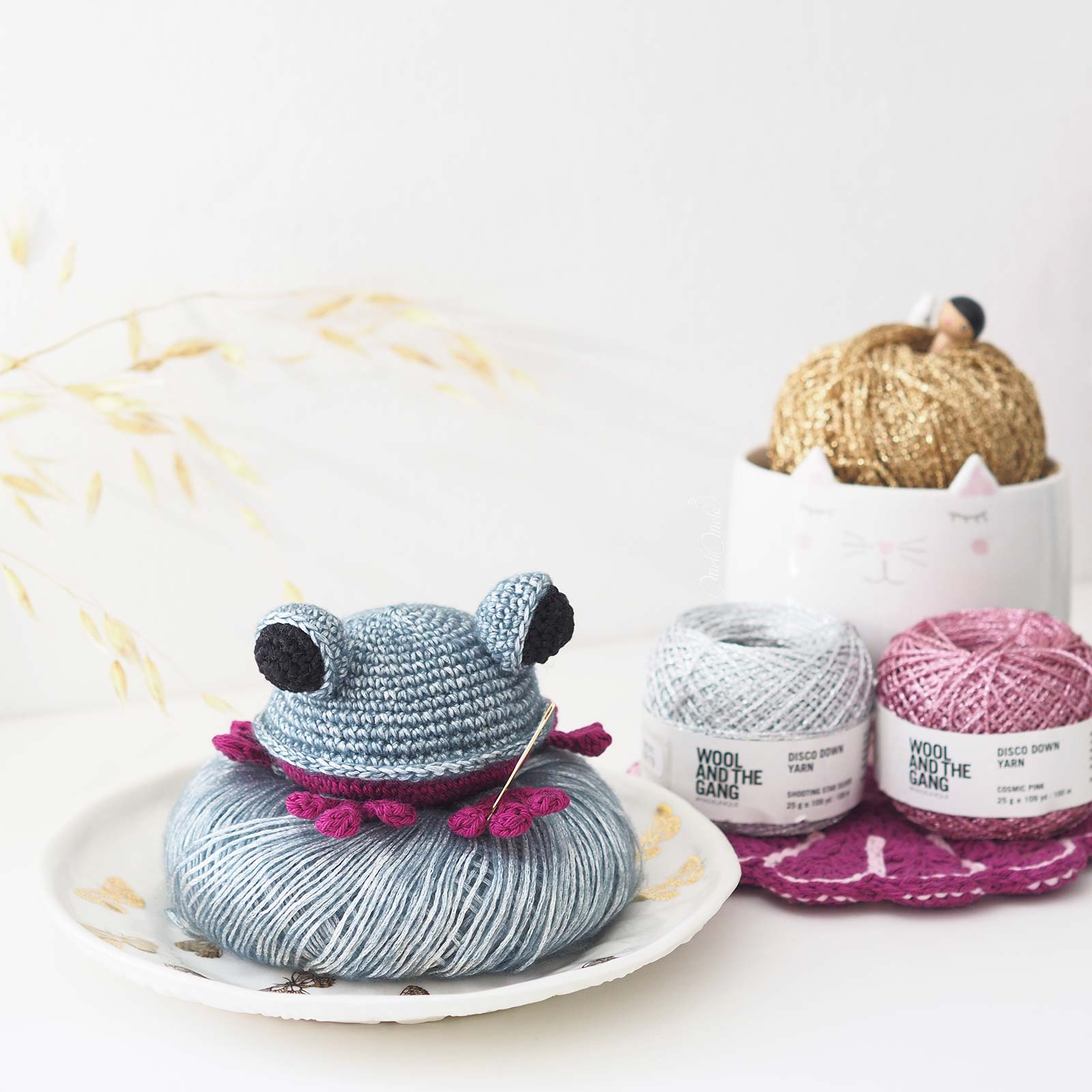 crochet-amigurumi-grenouille-frog-juliaka-toys-disco-down-woolandthegang-laboutiquedemelimelo