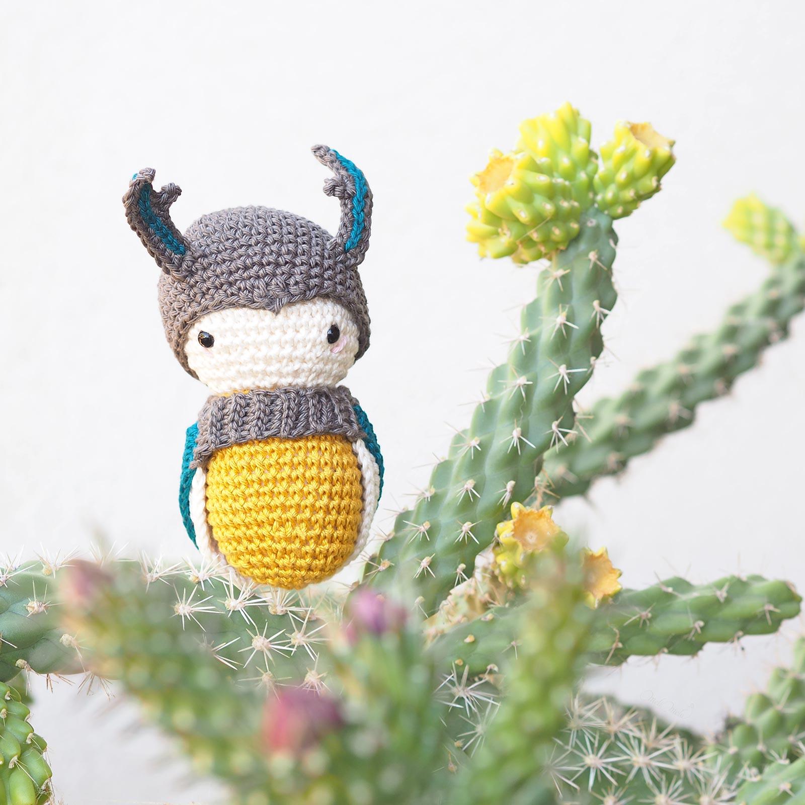 scarabée amigurumi crochet beetle Laylala cactus fleurs cylindropuntia imbricata laboutiquedemelimelo