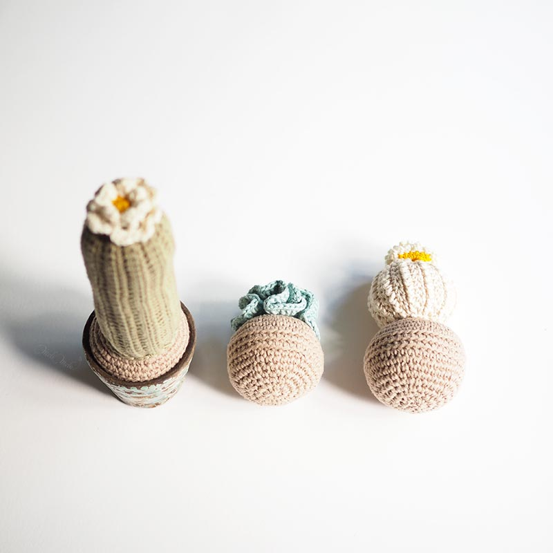 crochet cactus décoration modèle boule à droite The Cotton Wool We are Knitters Classico Modern Living homeware laboutiquedemelimelo