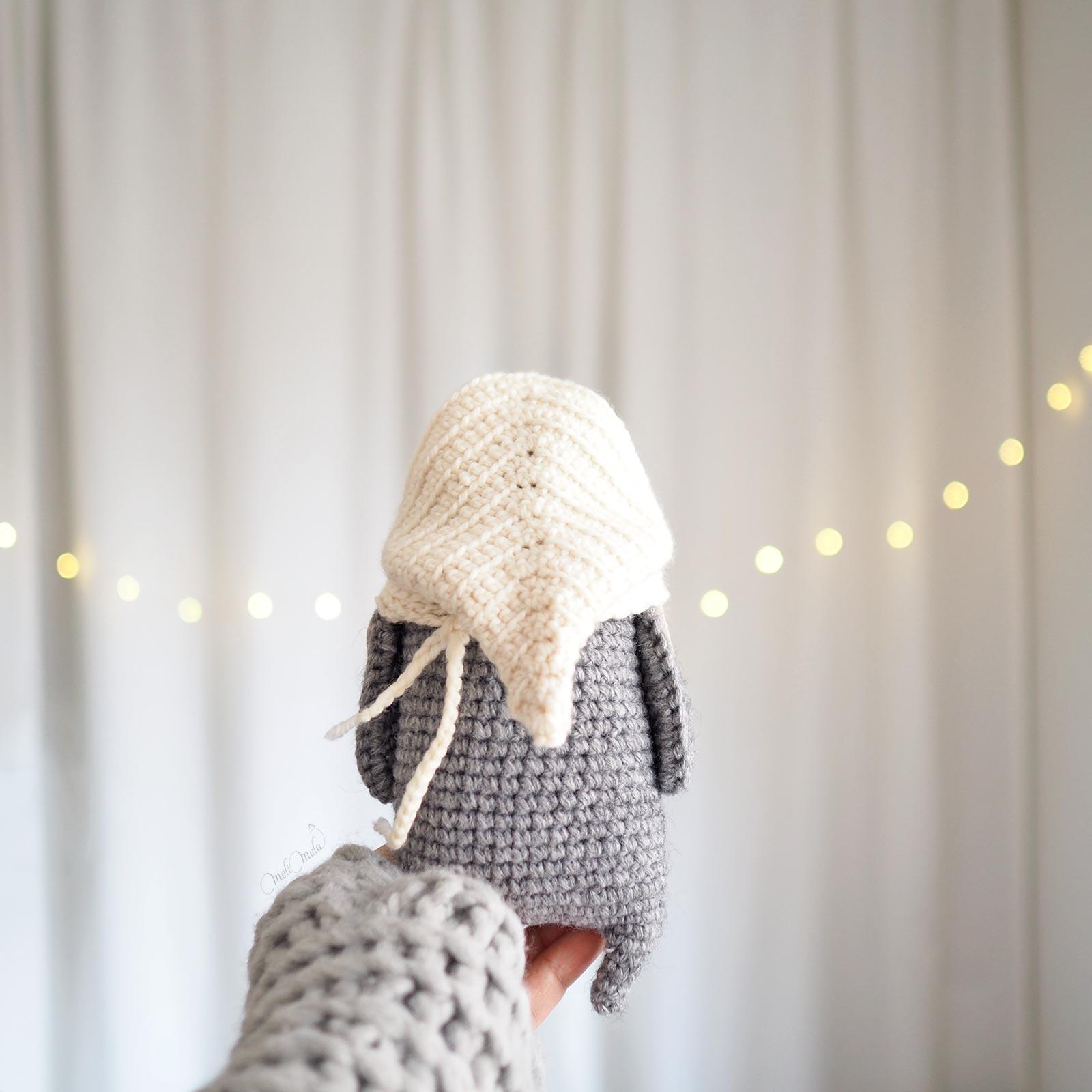 chouette lutine de dos au crochet capuche laine little owlet owl laboutiquedemelimelo