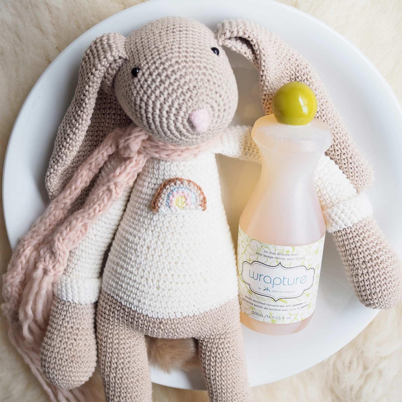 Tuto boite range chocolat lapin au crochet - YouTube | 1600x1600