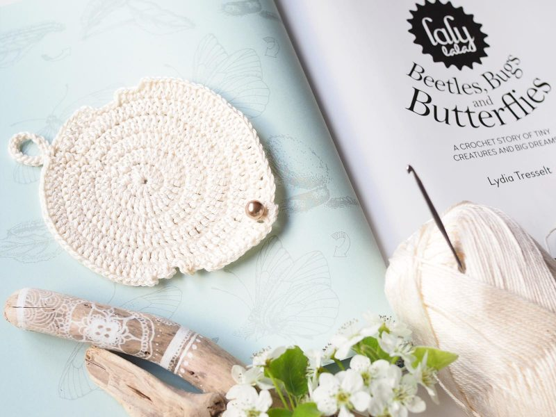 book lalylaland beetles bugs butterflies brimstone life cycle crochet feuille leaf scheepjes laboutiquedemelimelo