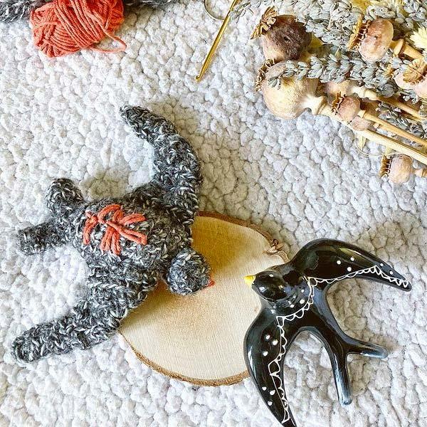 crochet-golondrina-amigurumi-unzestedesamsouki-diymelimelo