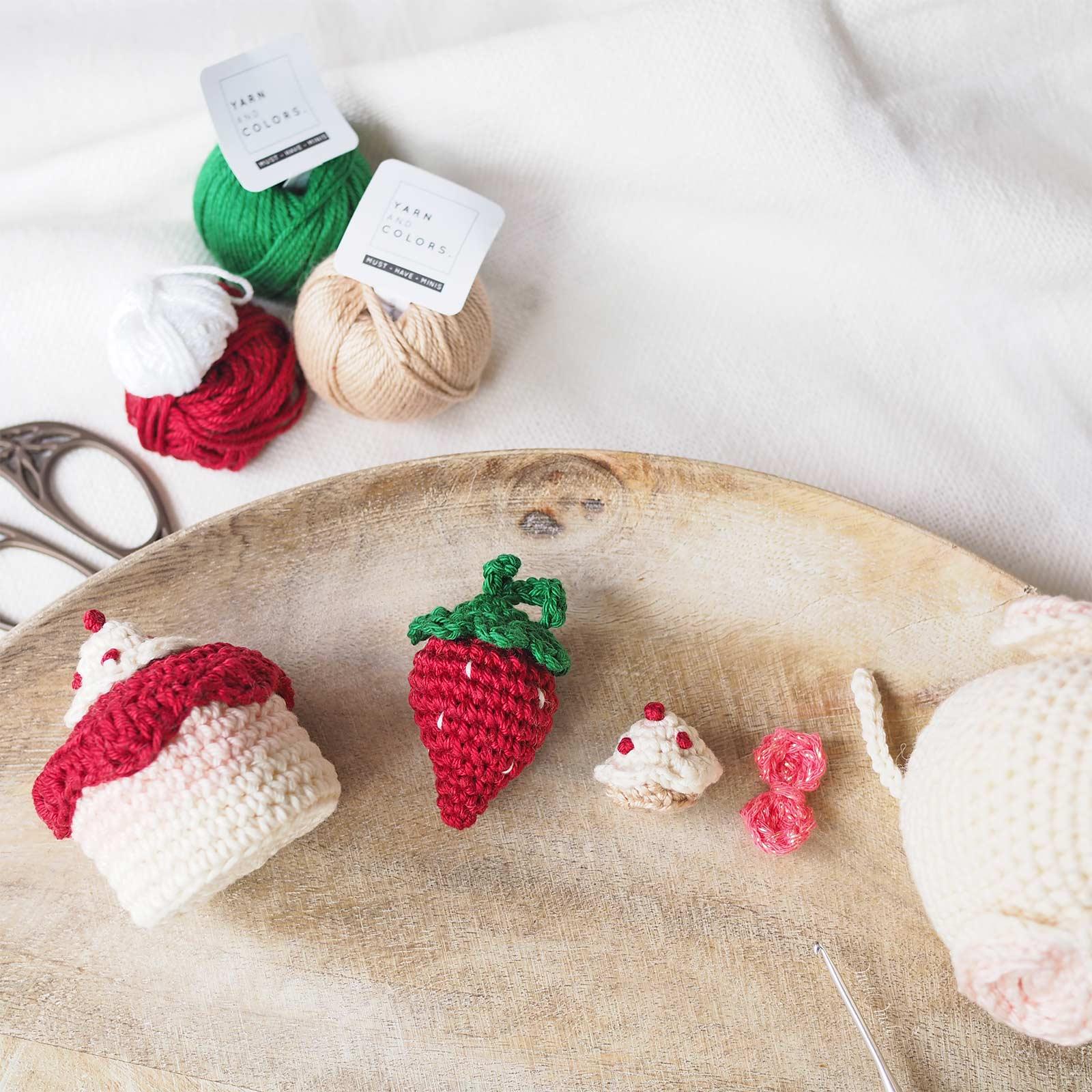 crochet goûter anniversaire fraise Must-have Minis Yarn & Colors Boutique MeliMelo