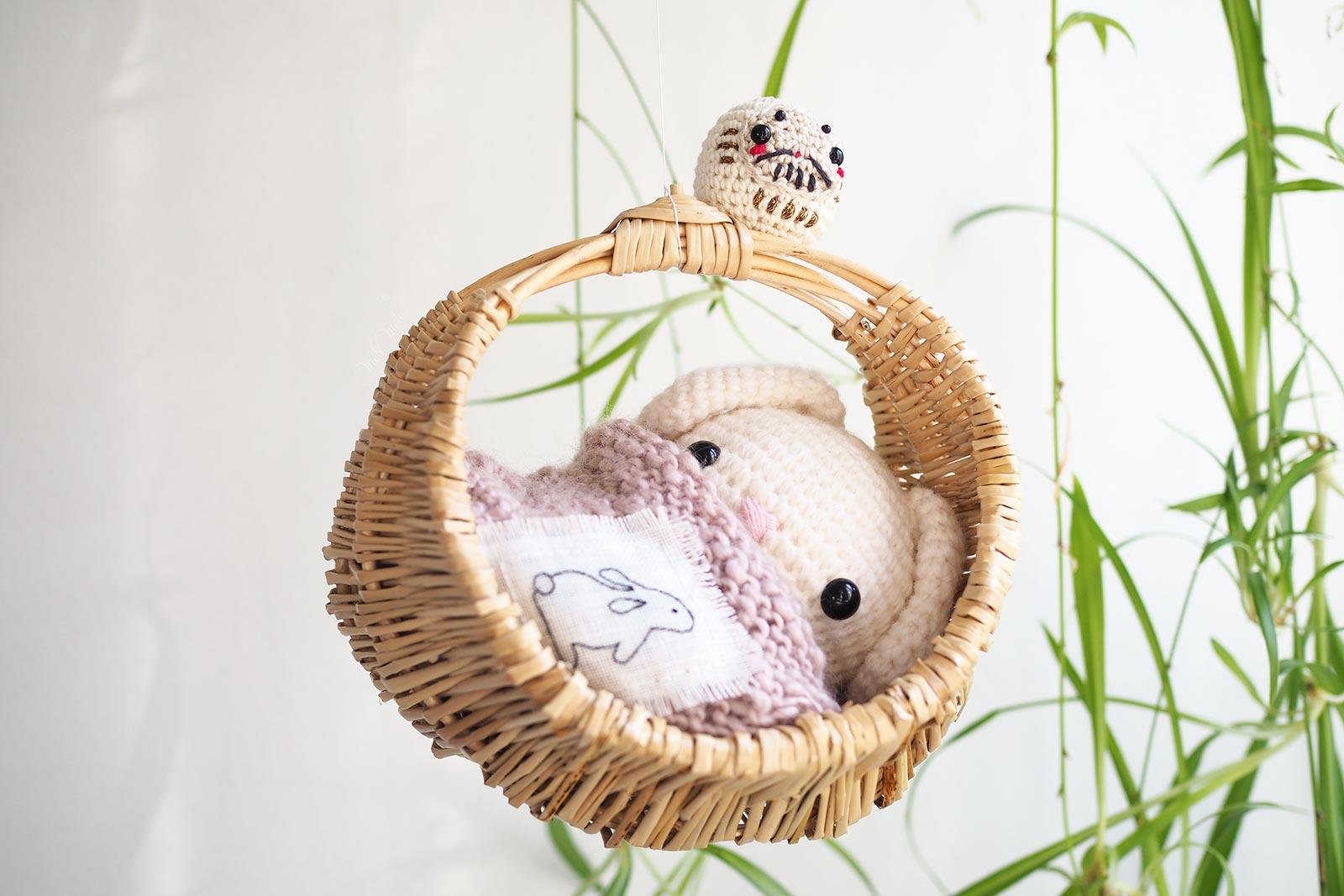 crochet lapin amulette Daruma amigurumi cesta mimbre osier Boutique MeliMelo