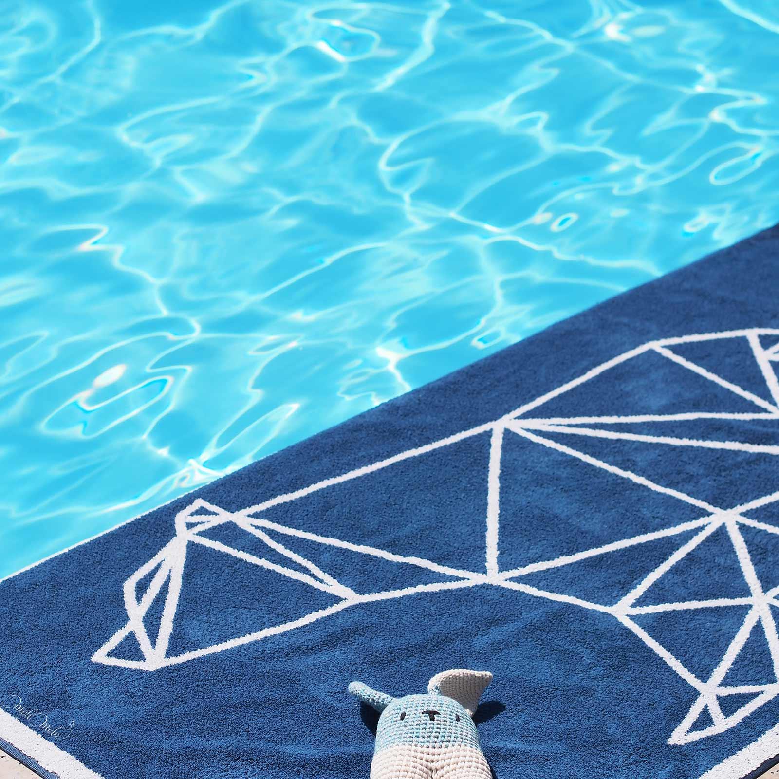 crochet lapin lanukas conejo bipedo towel pool hawkeandthorn laboutiquedemelimelo
