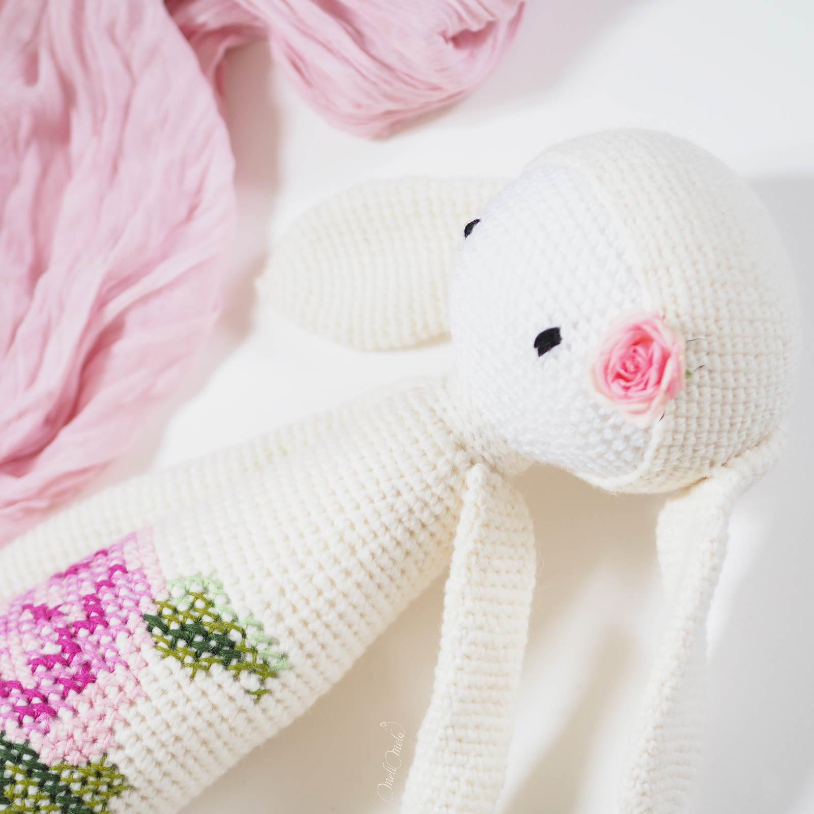 crochet lapine détail bunny rita Lalylala bouquet rose laine alpaca chunky ricodesign laboutiquedemelimelo