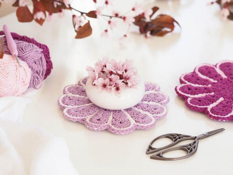 crochet-manique-fleur-rose-lilas-printemps-laboutiquedemelimelo