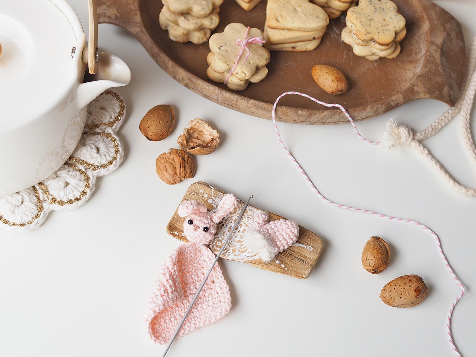 crochet mini doudou lapin mélimélothé Boutique MeliMelo