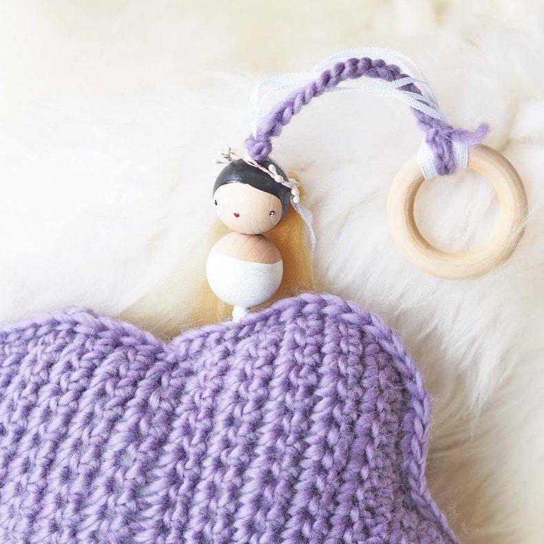 Détail suspension mobile nuage crochet décoration ange Les Pois Plumes laboutiquedemelimelo