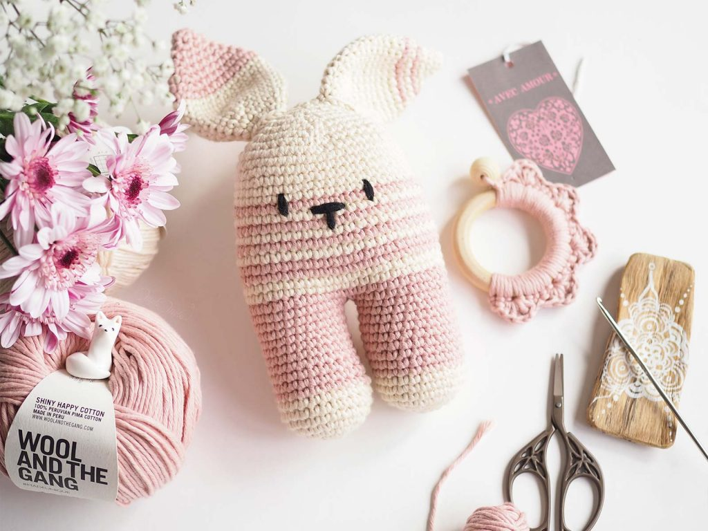 crochet rabbit lapine conejito lanukas shiny happy cotton woolandthegang laboutiquedemelimelo