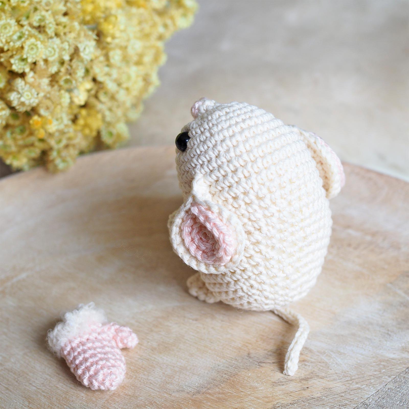 crochet souris blanche de dos amigurumi Boutique MeliMelo