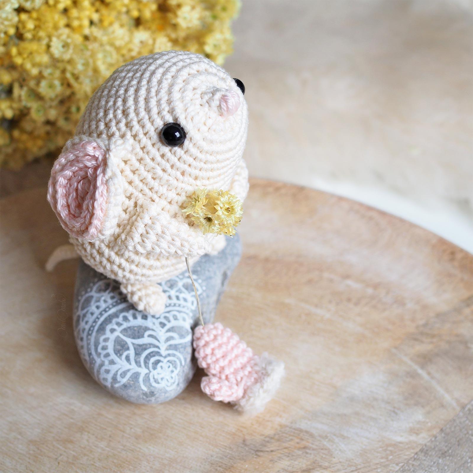 crochet souris blanche fleurs immortelles Provence helichrysum boutique MeliMelo