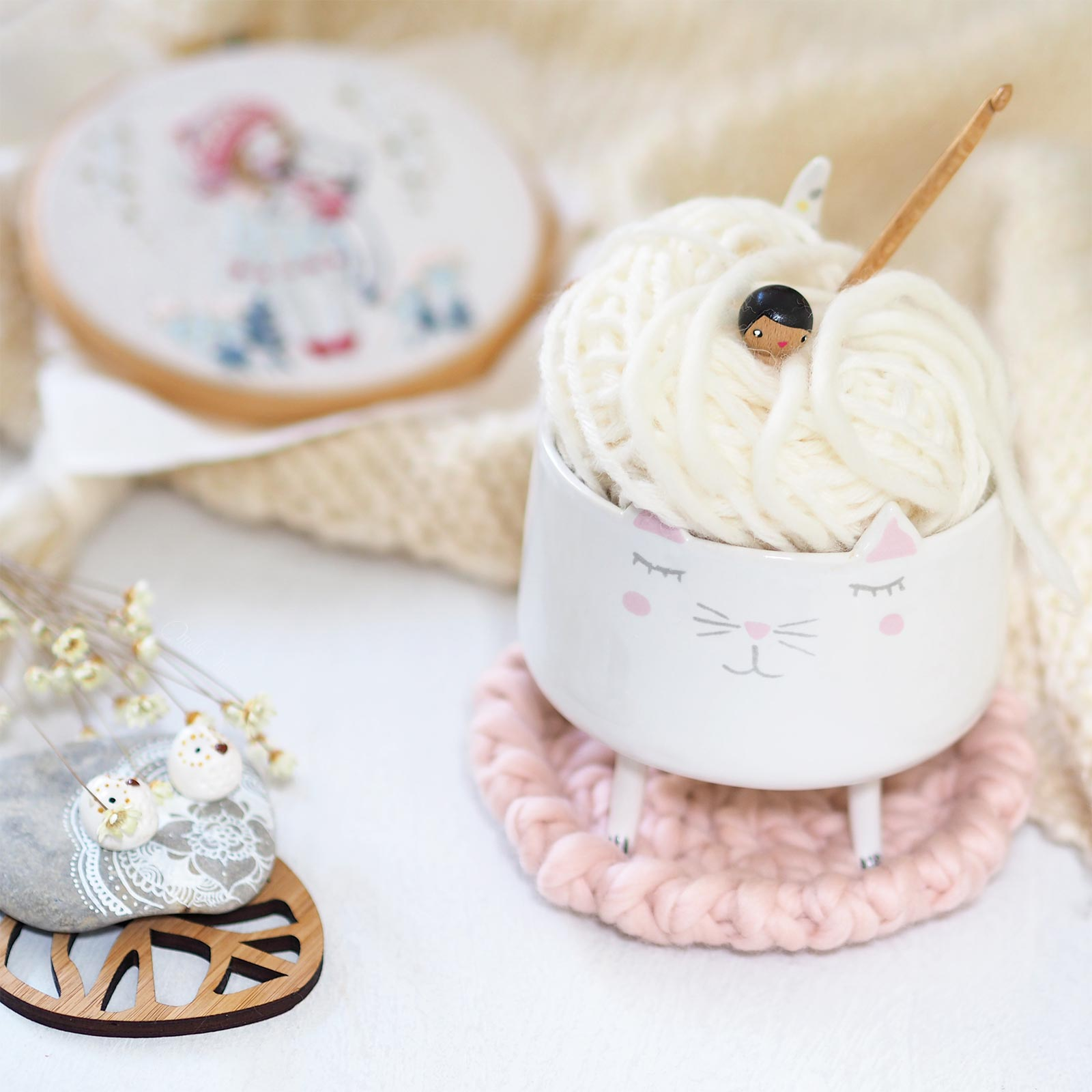 deco-cosy-laine-peruvienne-thewool-weareknitters-chat-ceramique-laboutiquedemelimelo