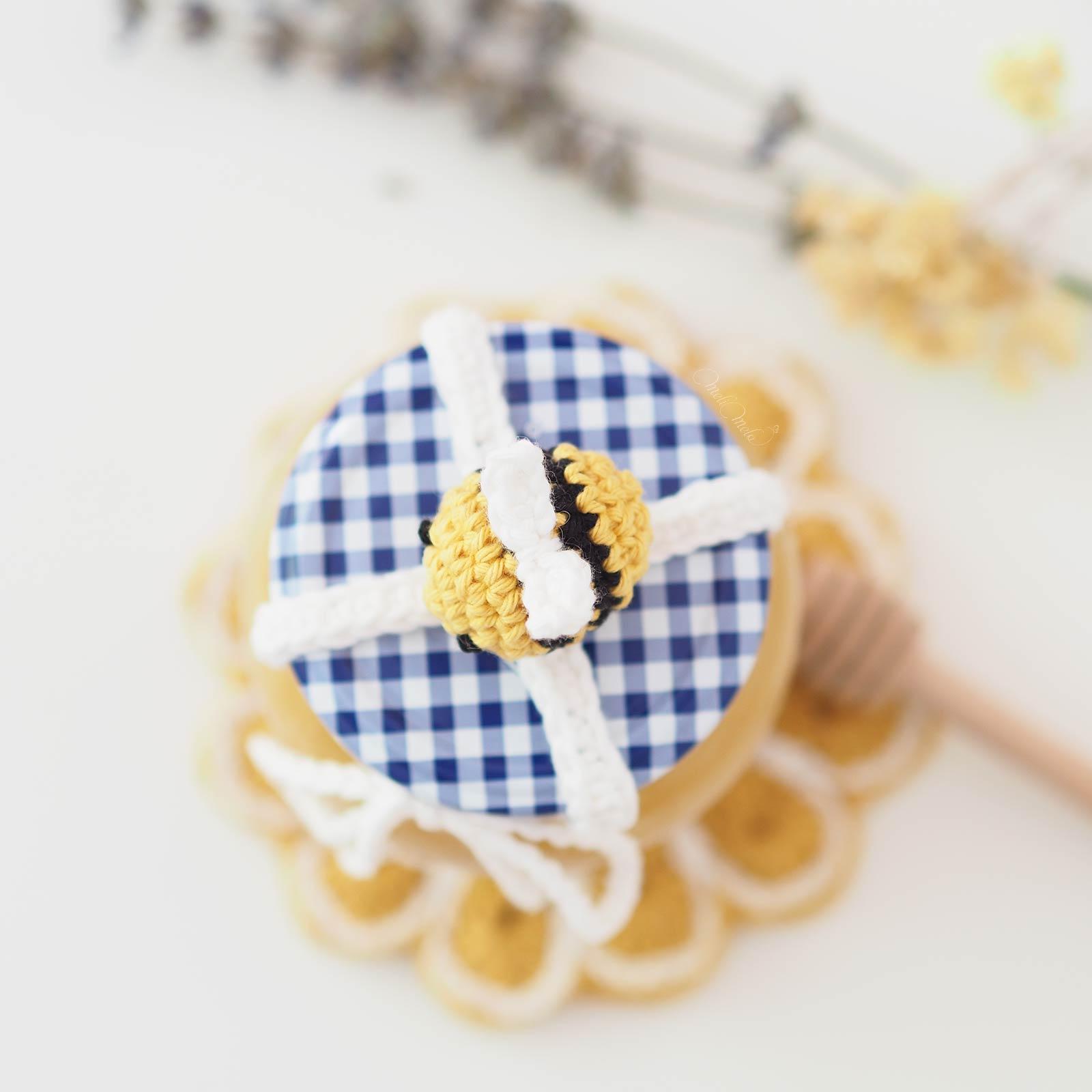 deco-pot-miel-abeille-crochet-amigurumi-