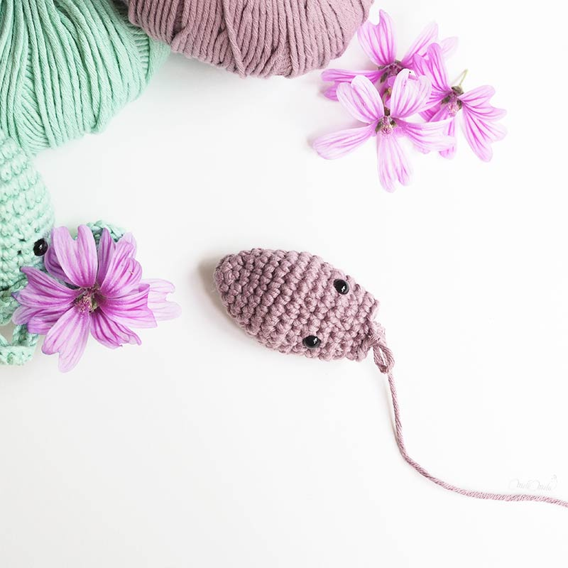 diy crochet amigurumi poulpe The Cotton Wool We Are Knitters mauve laboutiquedemelimelo