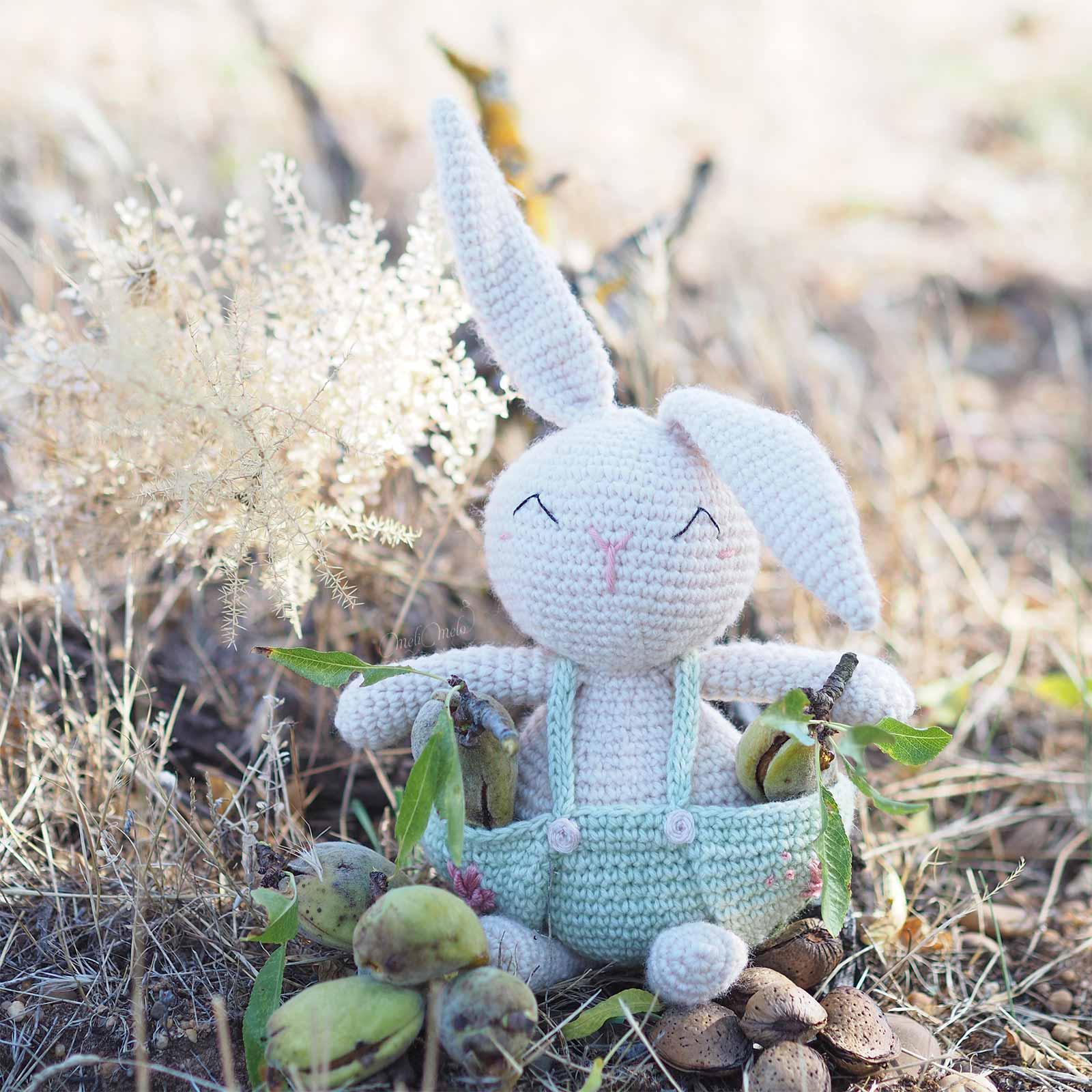doudou-crochet-lapin-recolte-estival-amande-fraiche-amigurumi-laboutiquedemelimelo