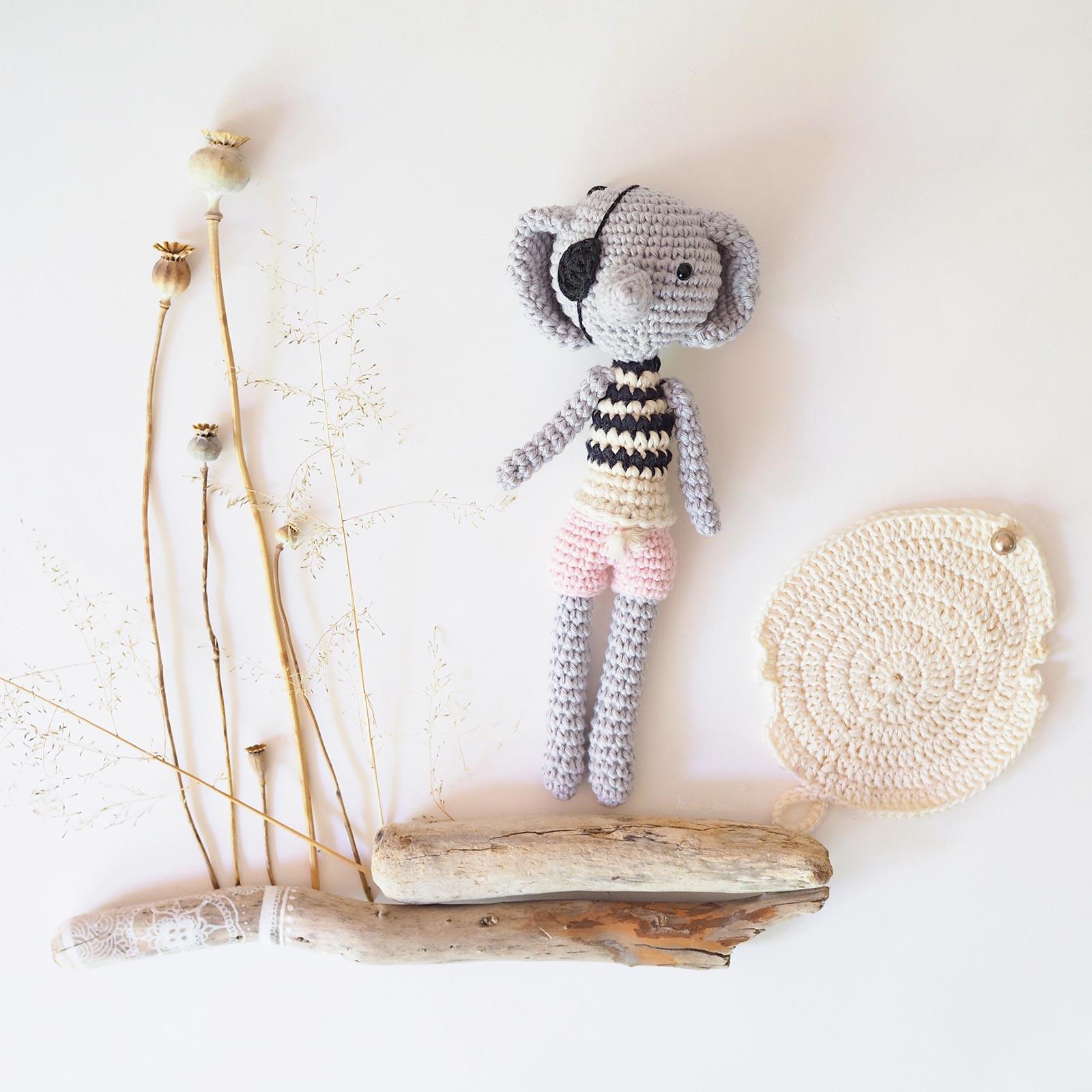 éléphant pirate marinière bleu crochet fleurs pavot laboutiquedemelimelo