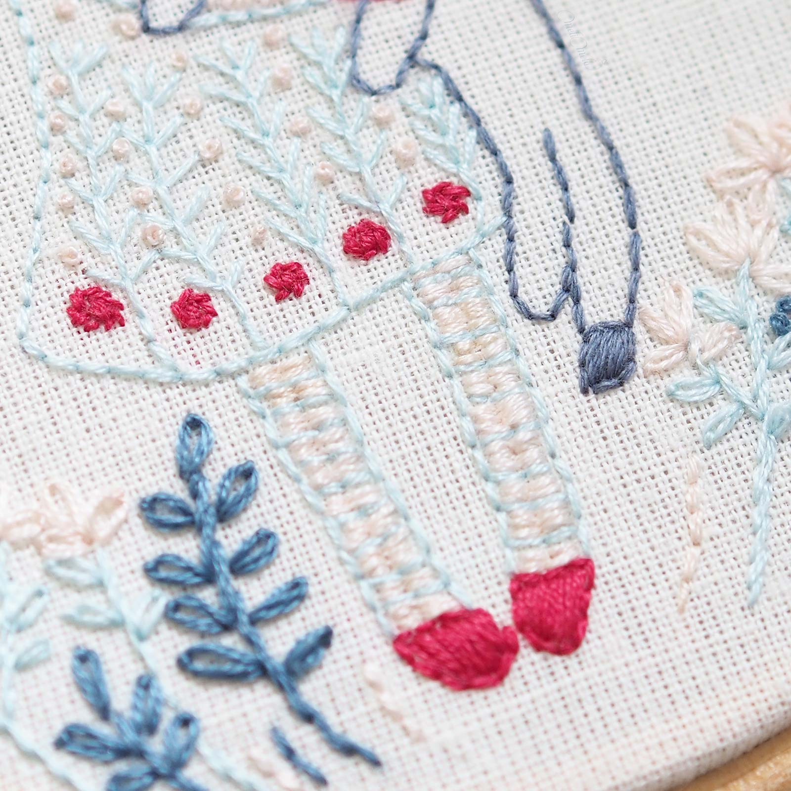 embroidery-winter-girl-auverasoie-dmc-france-laboutiquedemelimelo