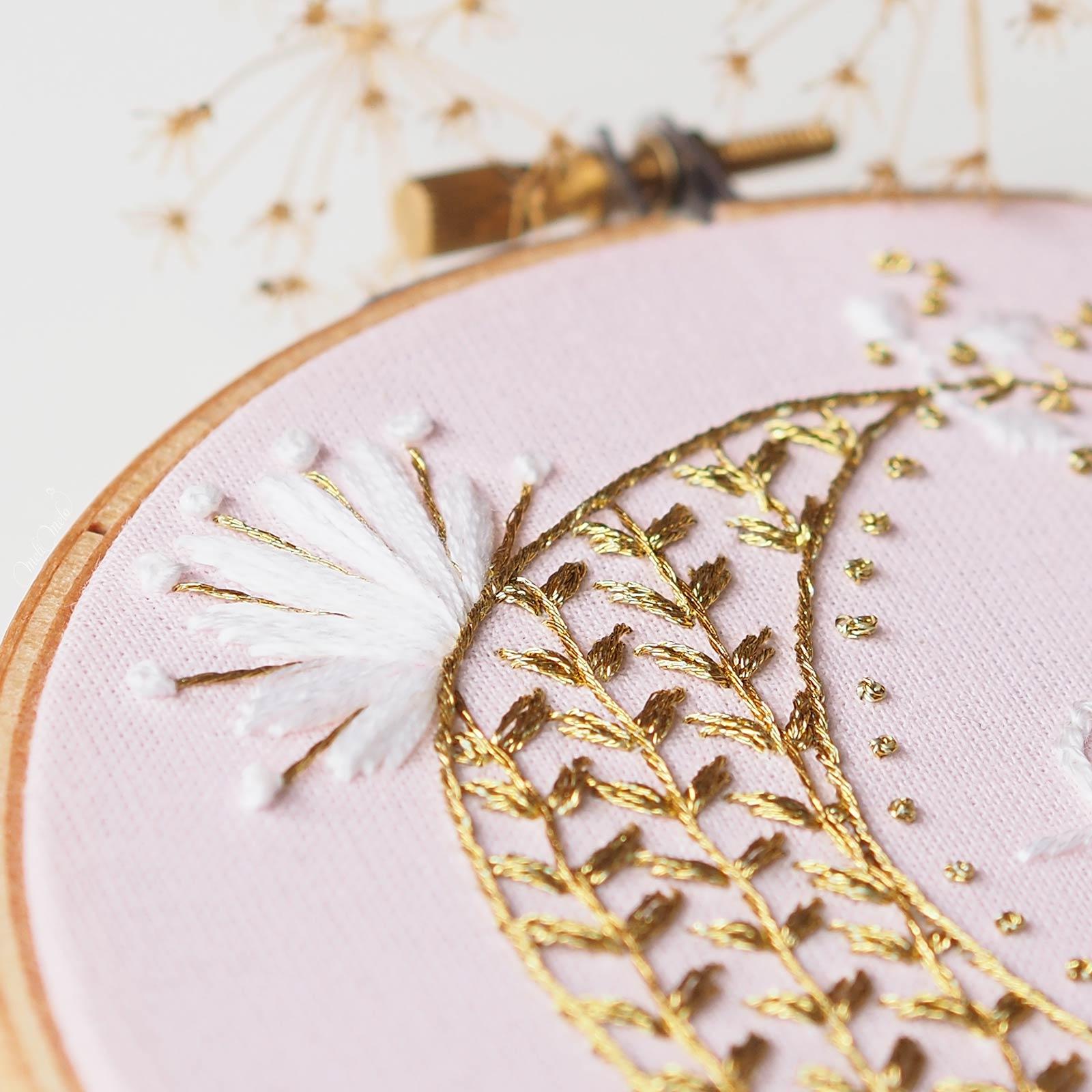 fleur broderie lune or dmc diamant grandé G3852 Boutique MeliMelo