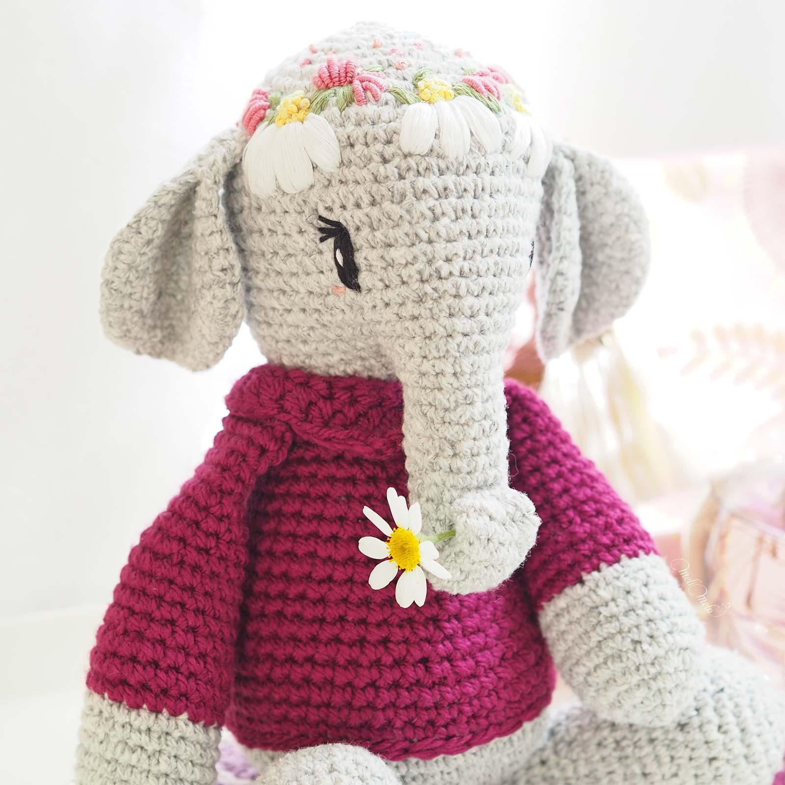 framboise-elephant-amigurumi-broderie-couronne-fleurs-laboutiquedemelimelo