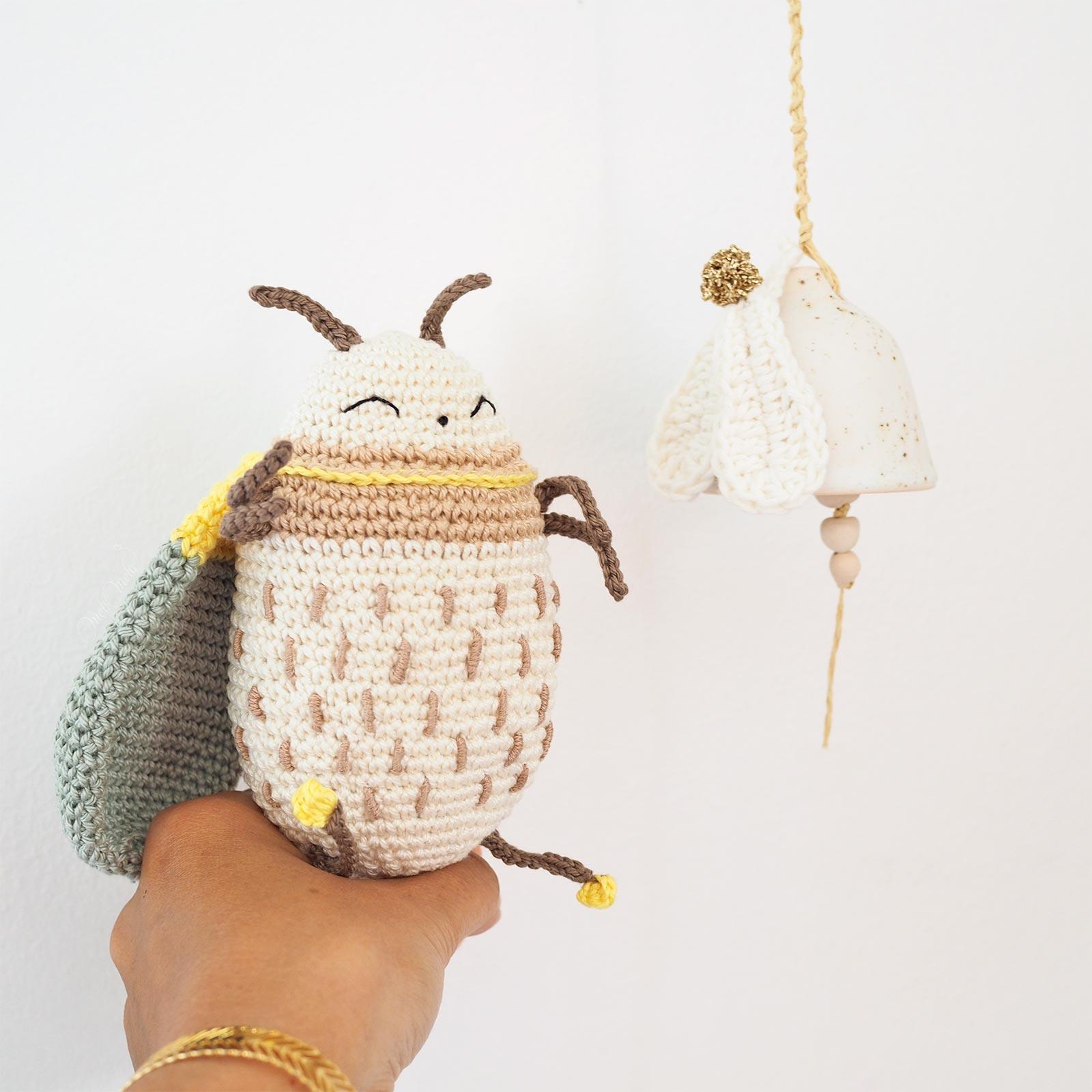 hubertus-bug-scarabee-crochet-broderie-amigurumi-eleonorandmaurice-laboutiquedemelimelo
