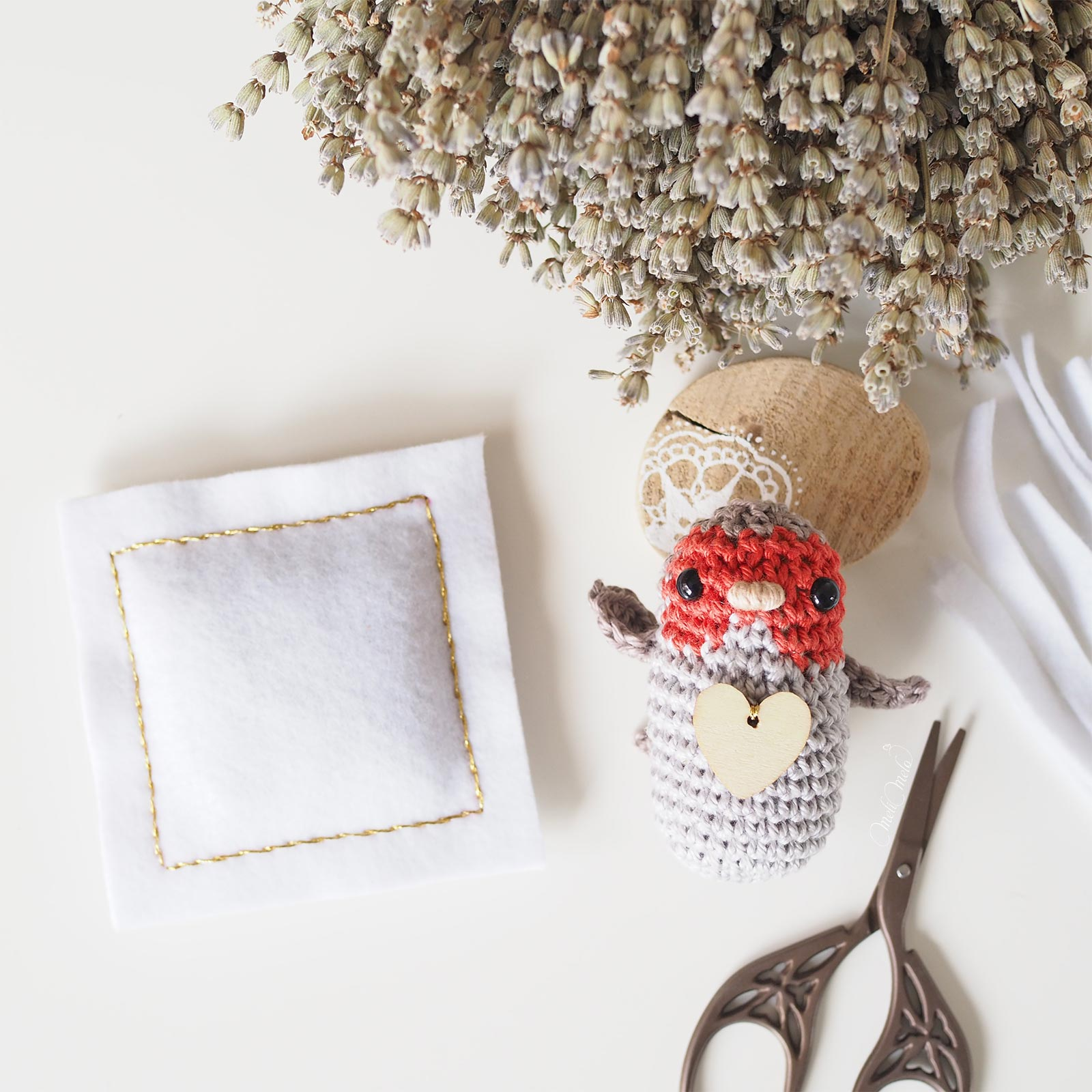 tiny cushion lavender crochet robin bird Boutique MeliMelo