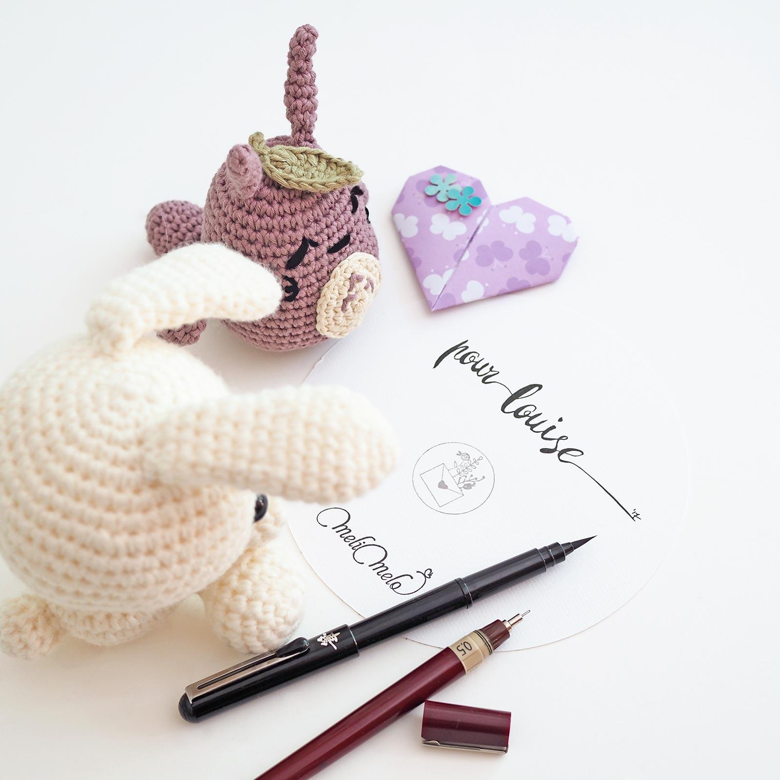 illustration calligraphie encre chine Totoro et Petit lapin au crochet laboutiquedemelimelo