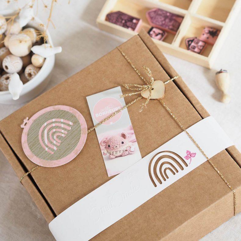 kit-DIY-arc-en-ciel-coton-laine-rose-laboutiquedemelimelo